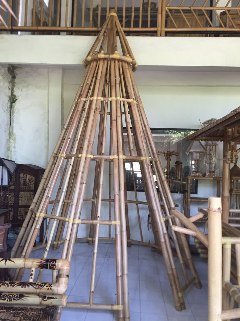 TIPI skeleton made of bamboo indian tent decoration Little Big Horn NEW