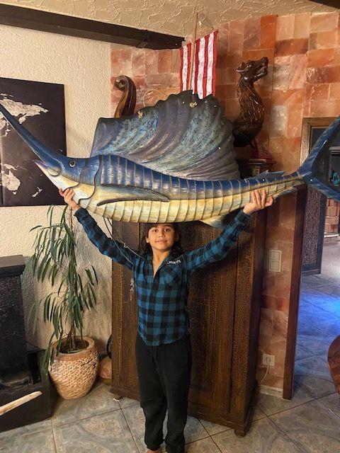 Fisch Albesia Holz Wanddekoration Statue Skulptur Fish Wood Little Big Horn
