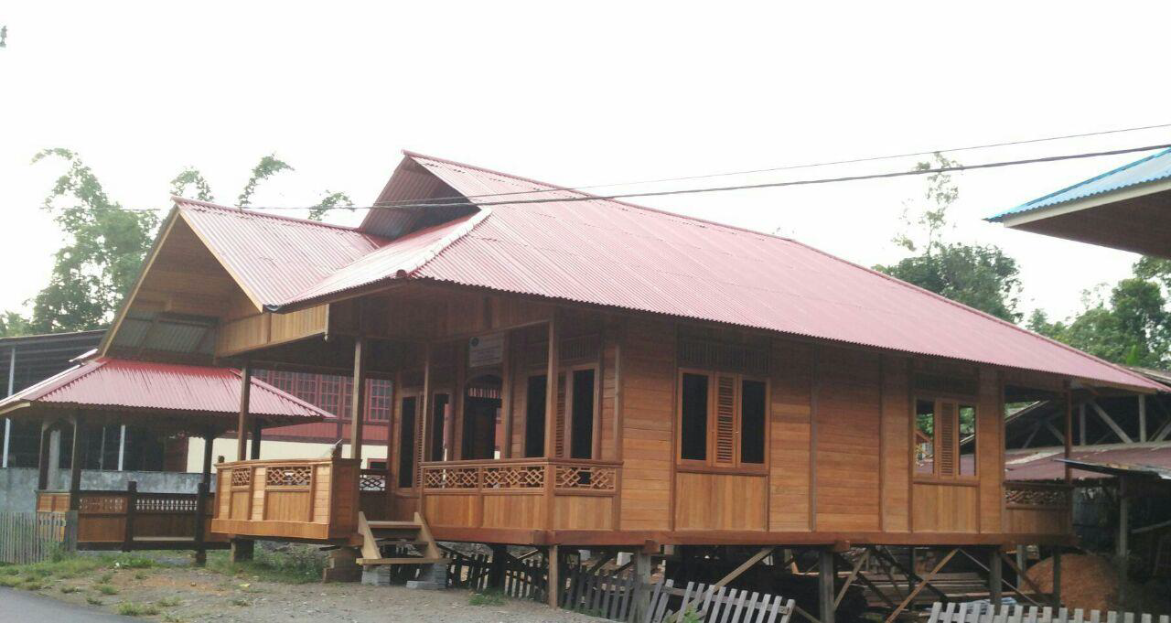 Garden house model MINAHASA Type 70 teak wood 7,5 x 10 m wooden house with terrace and stairs